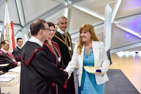 Márta Irén, a BCSDH igazgatója Pro Facultate díjat kapott